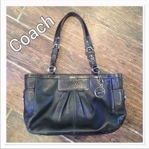 COACH Black Leather East West Gallery Satc…